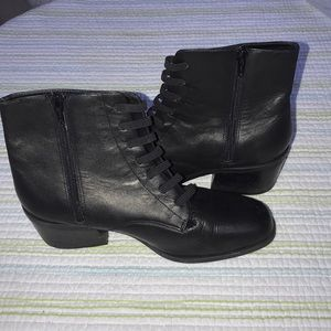 Aerosoles Black Boots SH25